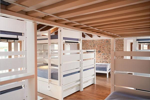 Hostel03